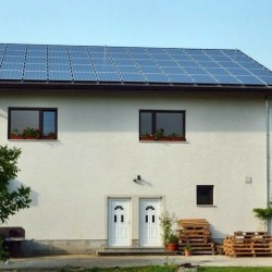 Končan projekt sončne elektrarne eh Roudi z kritino Hosekra elektro kritini, streha se je montirala na tegulo