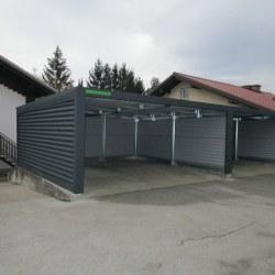 Široka dvojna garaža, rolo vrata