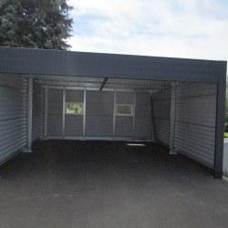 Široka garaža z rolo vrati