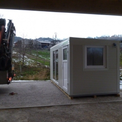 kontejner_hosekra_pisarna_30020