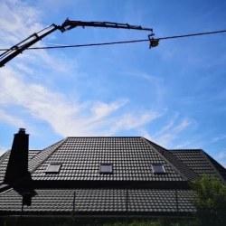 Hosekra Gladka Črna mat - pogled iz strani z dvigalom