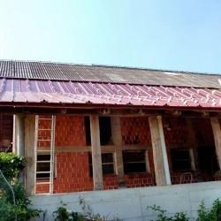 Sončna elektrarna - streha rdeče barve