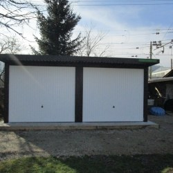 Dvojna garaža na betonski plošči