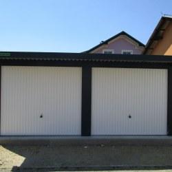 Avtomobilska garaža za dva avtomobila z nadstreškom