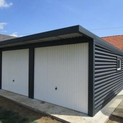 Dvojna garaža + nadstrešek nad vrati