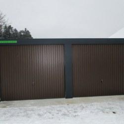 Dvojna garaža, rjava vrata