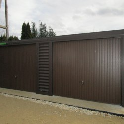 Dvojna rjava garaža