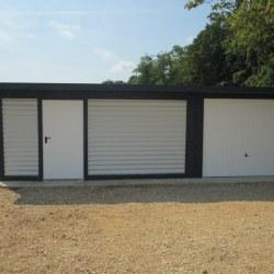 Garaža in dodatni del z vrati