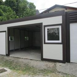 Večja garaža z dodatnim prostorom izdelana po naročilu