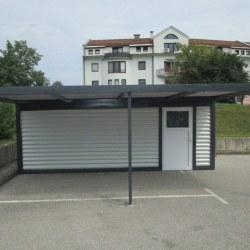 Garaža z nadstreškom
