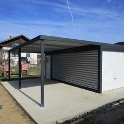 Avtomobilska garaža z nadstreškom za dodaten avtomobil