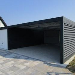 Garaža z rolo vrati in izolacijo