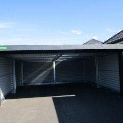 Antracid avtomobilska garaža z rolo vrati