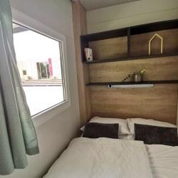 Spalnica z zakonsko posteljo