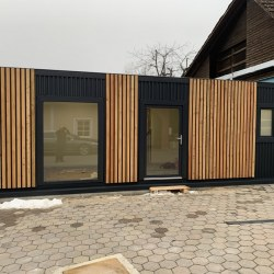 Lesena fasada mobilne hiške EKO po naročilu