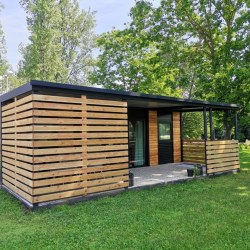 Mobilna hiška EKO+ z leseno teraso