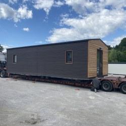 Transport mobilne hiške Hosekra