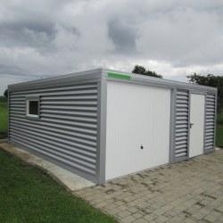Široka srebrna garaža