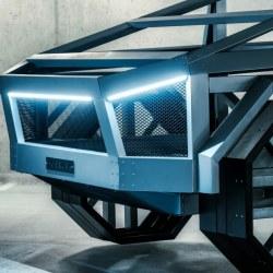 Replika avtomobila narejena iz profilov - sprednji del