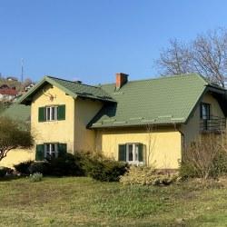 Streha Hosekra Stratos zelena v naravi
