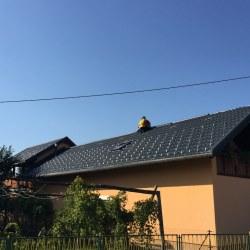 Stratos antracit in krovci na strehi